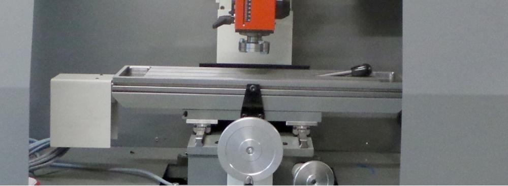 Standard CNC mit Umhausung